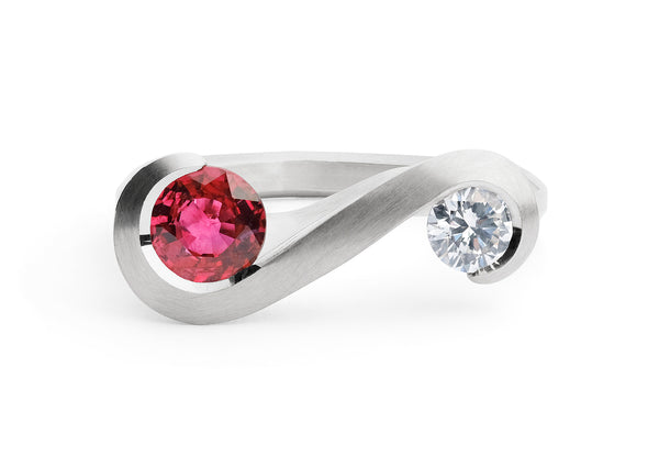 Zeta-Ring-platinum-ruby-white-diamond-1
