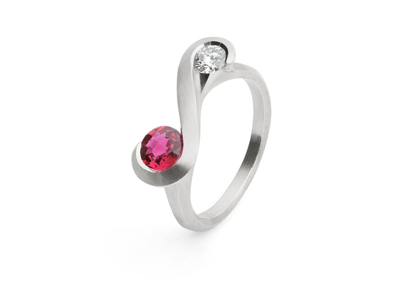 Zeta-Ring-platinum-ruby-white-diamond-2