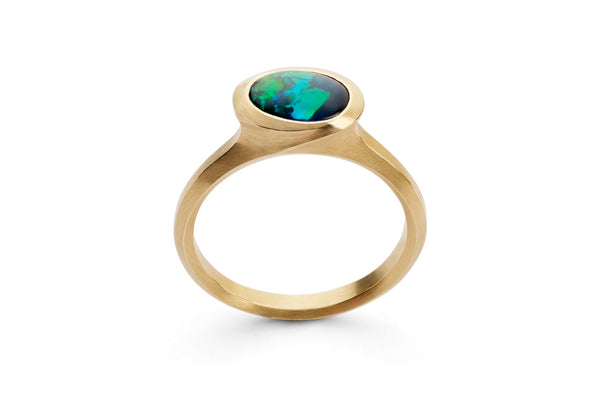 arris-oval-black-opal-ring