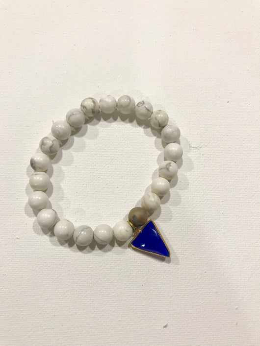Howlite with sapphire charm// Beaded Bracelet // Aromatherapy