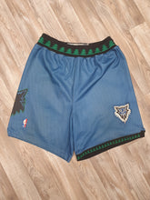 Load image into Gallery viewer, Minnesota Timberwolves Shorts Size Large