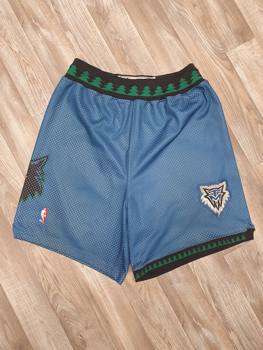 Minnesota Timberwolves Shorts Size Large
