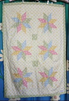 239 - SPOTTED STAR QUILT - GREEN - 86.5cmW x 122cmL