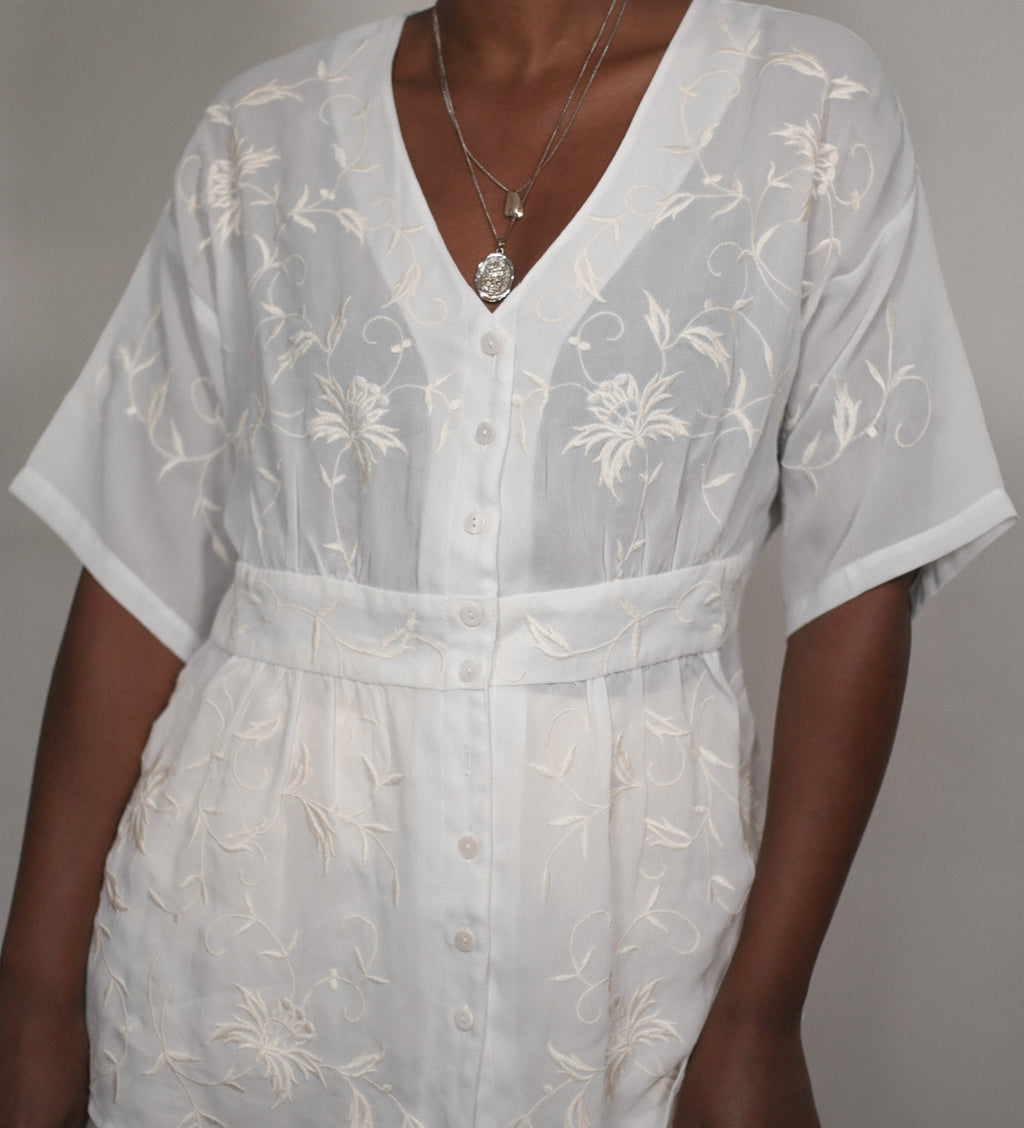 Short sleeves sheer blouse