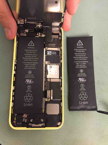 Expanded iPhone 5C battery replaced