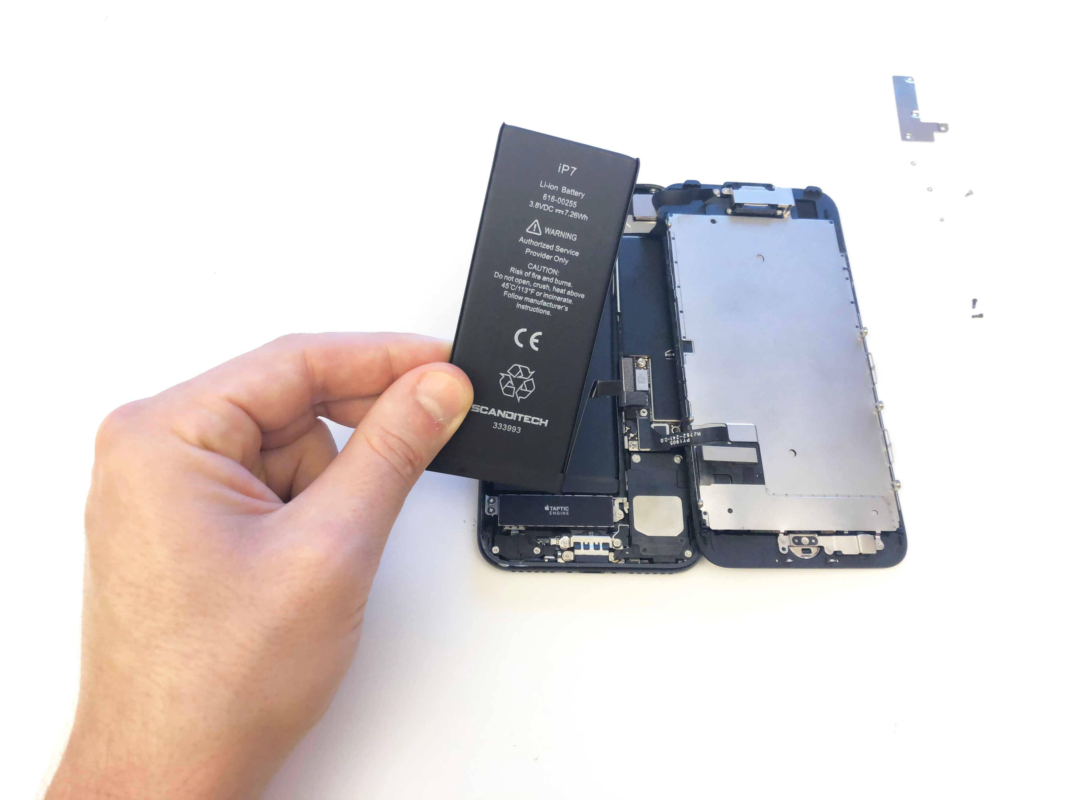 iPhone 7/7 Plus Battery Replacement - Testing the new battery - 6