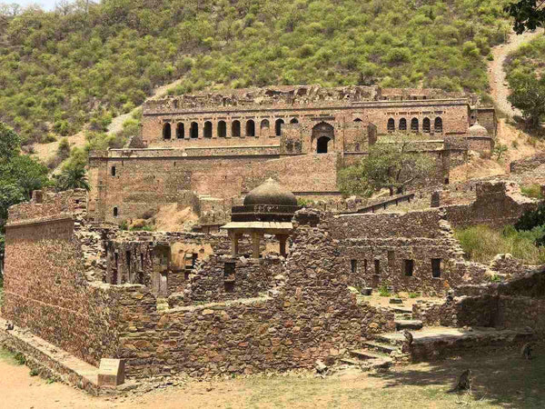 the infamous Bhangarh Fort