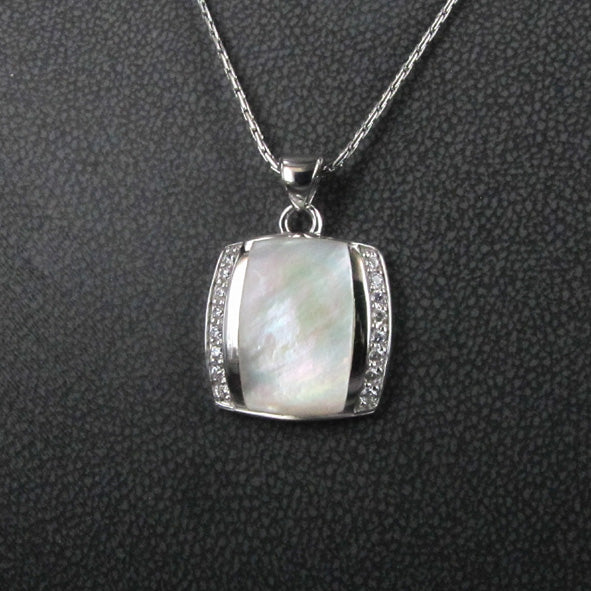 PEARLSHELL AND CZ PENDANT