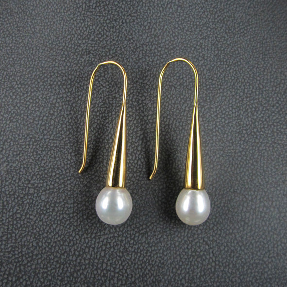CLASSIC HOOK EARRINGS