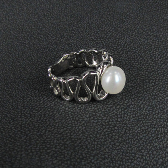 STAIRCASE TO THE MOON RING