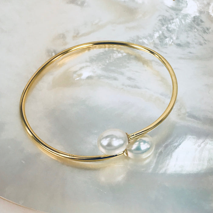 TORQUE PEARL BANGLE