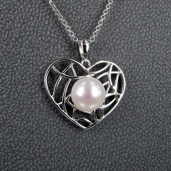 HEART AND PEARL PENDANT