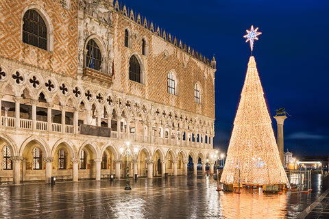 Christmas image in Venice Italy | Christmas Songs and Carols Love to Sing
