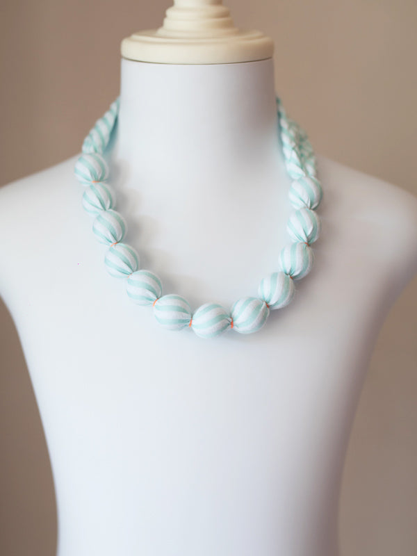 PIXIE BEAD NECKLACE IN MINT SEERSUCKER
