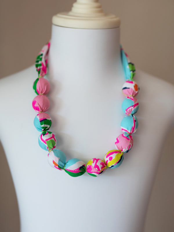 PIXIE BEAD NECKLACE IN NEON FLOWER