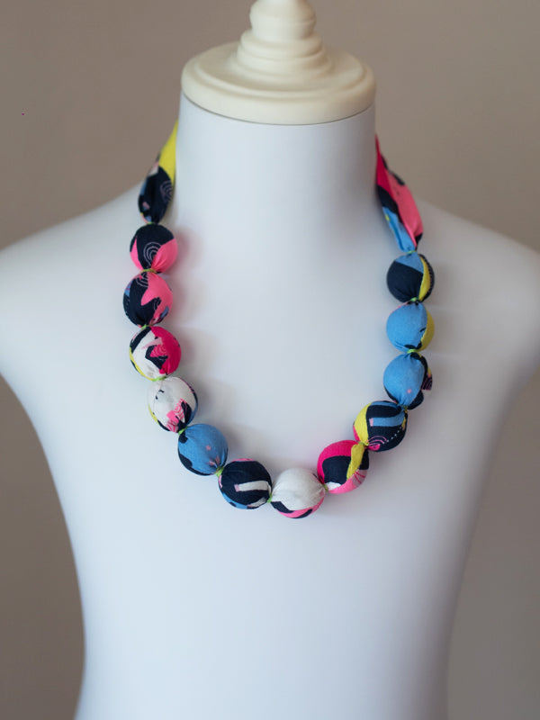 PIXIE BEAD NECKLACE IN NEON PONY