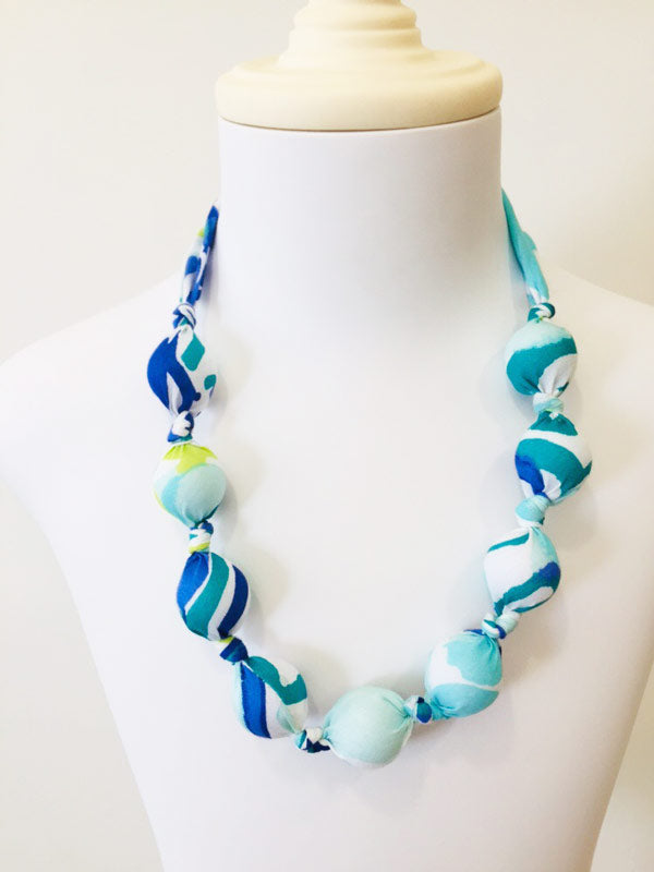 Taha hand-kotted necklace in blue swirl