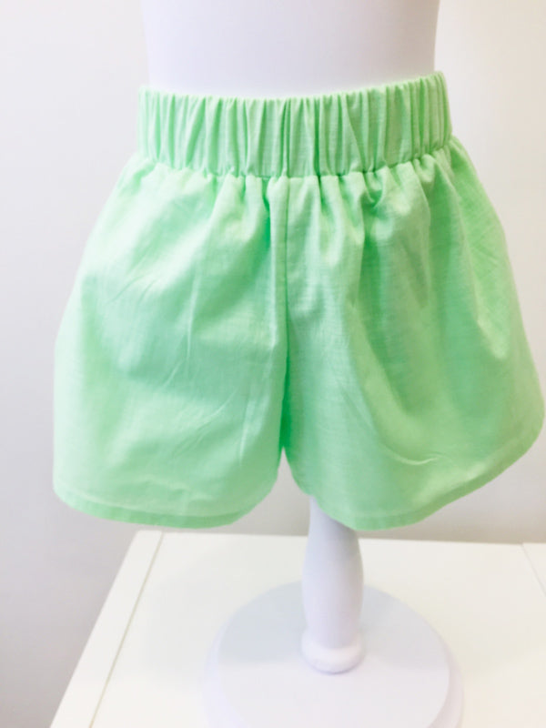 Kelsey Linen Shorts in Bright Pistachio