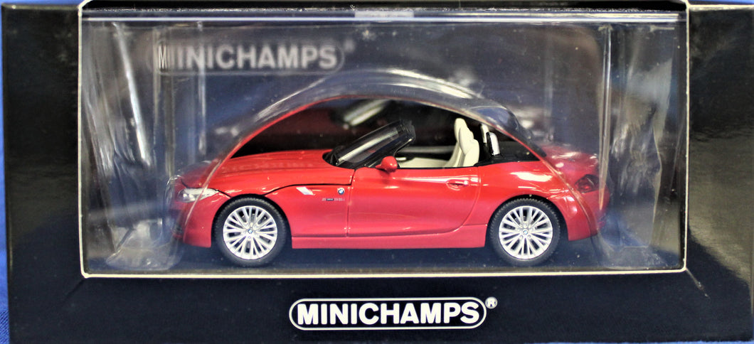 Diecast Model 1: 43, Minichamps 2008 E89 Red Z4