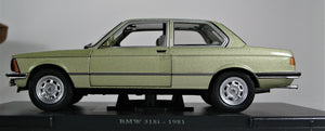 WHITEBOX 1:24 BMW E21 318, Metallic Green