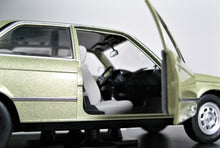 Load image into Gallery viewer, WHITEBOX 1:24 BMW E21 318, Metallic Green