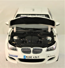 Load image into Gallery viewer, Diecast Model - Kyosho 1:18 BMW E60 M5 'Ring Taxi'