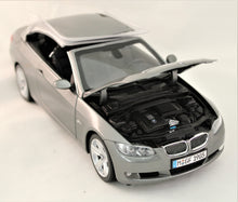 Load image into Gallery viewer, Diecast Model - Kyosho 1:18 E93 335i Cabriolet