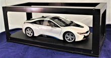 Load image into Gallery viewer, 1:18 White BMW 2015 i8