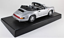 Load image into Gallery viewer, Anson 1:18 Silver Porsche 911 Carrera 4 Cabriolet