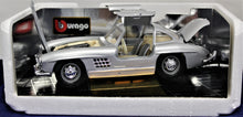 Load image into Gallery viewer, 1:18 Silver Mercedes-Benz 1954 300 SL
