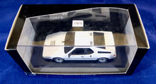 Load image into Gallery viewer, Minichamps 1:43 BMW White M1 Street, Paul's Model Art