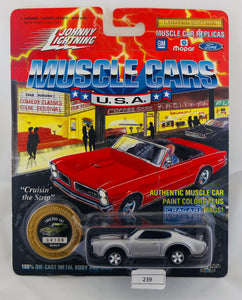 Johnny Lightning 1:64 Silver Oldsmobile Olds 442