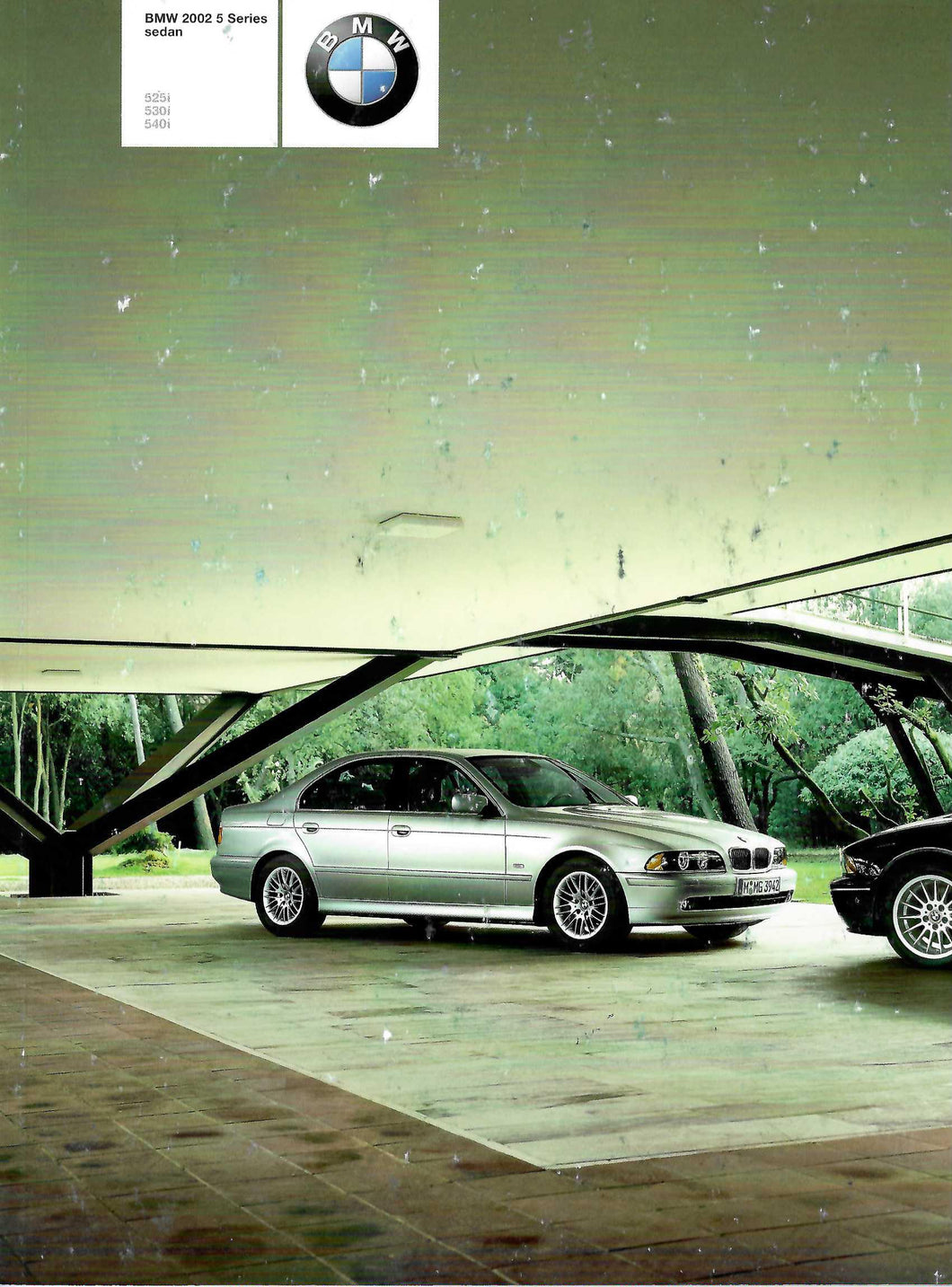 Brochure - BMW 2002 5 Series Sedan 525i 530i 540i - E39 Brochure