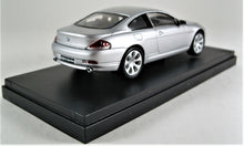 Load image into Gallery viewer, Kyosho 1:43 BMW 645Ci Coupe (Silver)
