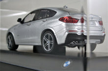 Load image into Gallery viewer, BMW 1:43 F16 X4 - Glacier Silver Metallic.