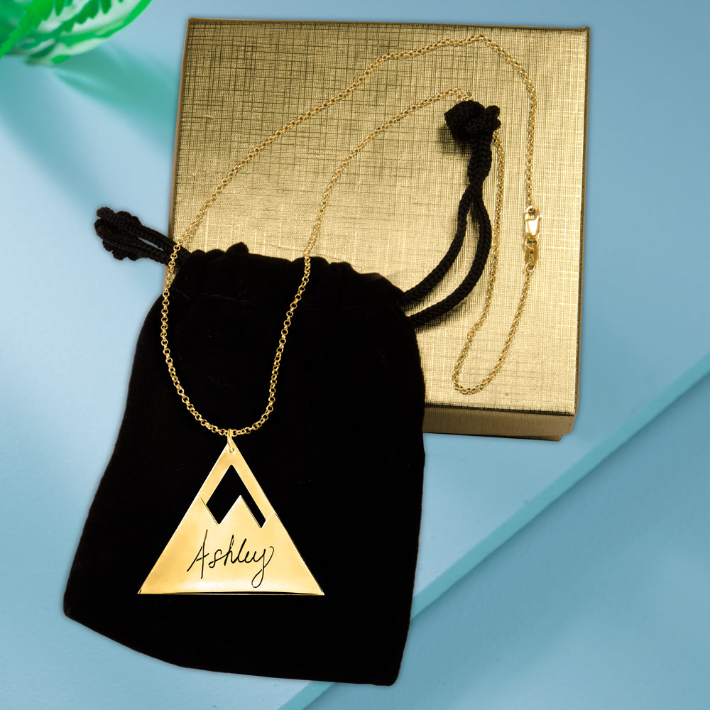 HanaLaura Collection: Mountain Peak Pendant Name Necklace