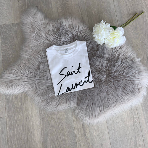 LUXE COLLECTION - Saint script tee