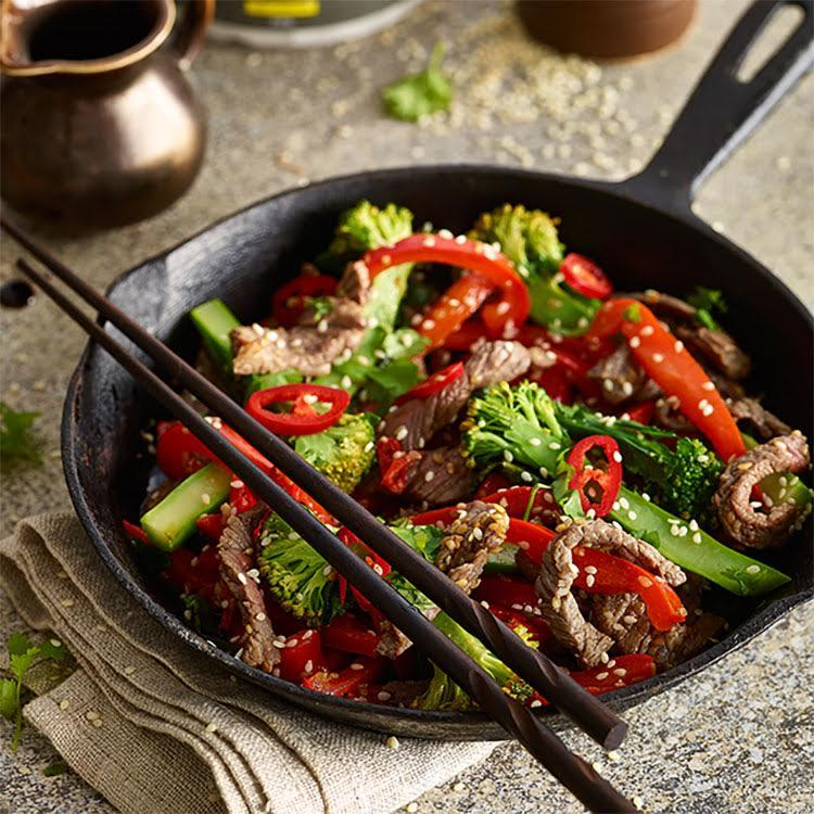 Beef strips with Broccoli and Capsicum topped with Chilli and Sesame Seeds