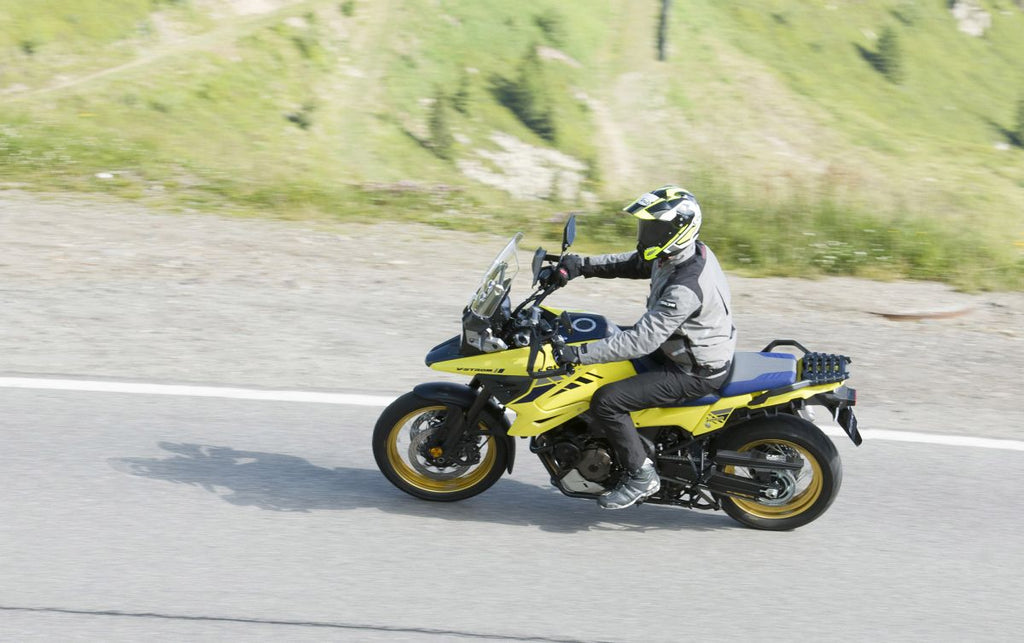 "<span style=""font-size: large;""><span style=""color: #666666;"">Nouvelle Suzuki V-Strom 1050 - 2020</span></span>"