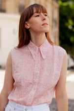 Anita is Vintage 70s Pink & White Floral Sleeveless Blouse