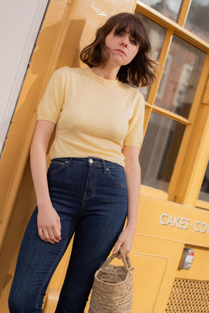 Anita is Vintage 90s Pastel Yellow Knitted Top
