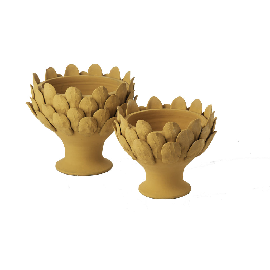 717352 Abigails Wholesale Home Décor Ceramics & Terra Cotta Centerpieces Terracotta Artichoke Footed Centerpiece, Large Gathered Garden