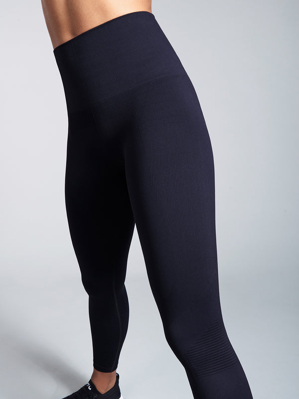 BLACKOUT SPOTLESS Legging