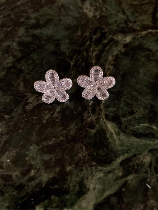 Flower Earring Studs - Glamour Manor
