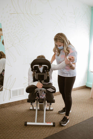 Top 5 Reasons Moms Have shoulder Pain Chiro for Moms