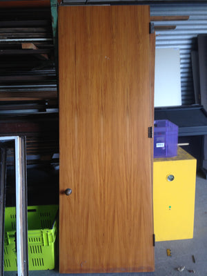 solid rimu door #596