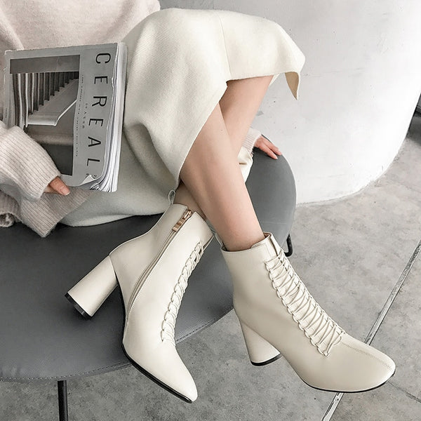 Pointed toe Chelsea Ankle Boots
