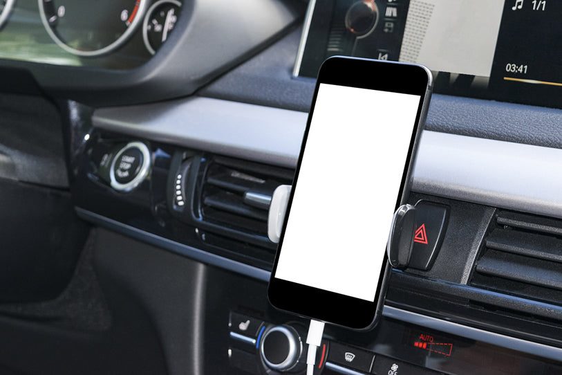 smartphone in car used to navigate