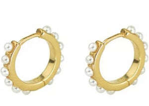 Pearls small hoops