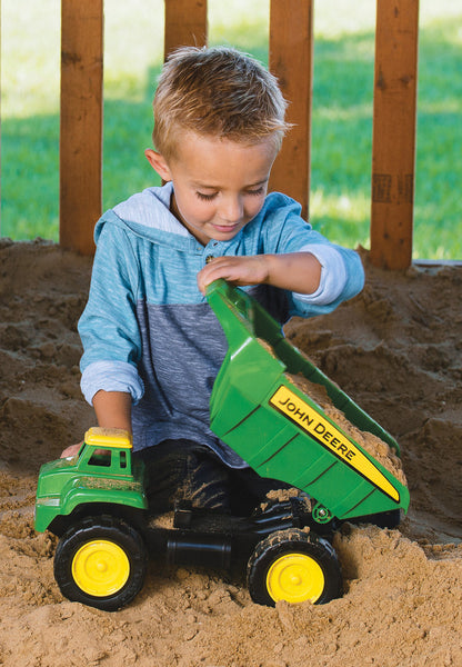 JD BIG SCOOP WITH SAND TOOLS